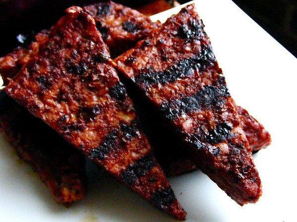 Hot Sauce Glazed Tempeh - Veganomicon