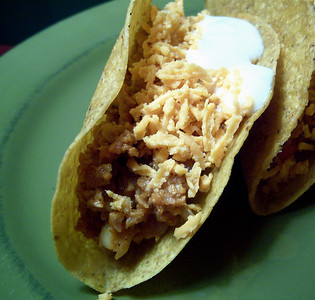 Cruncy Taco with Daiya and Sour Cream